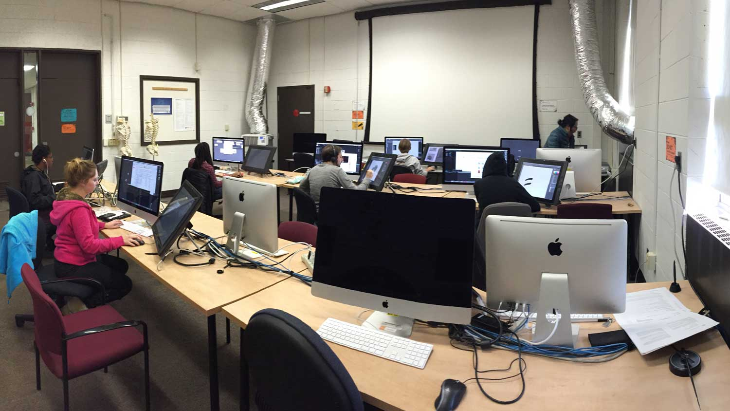 Students working in the 3500 lab