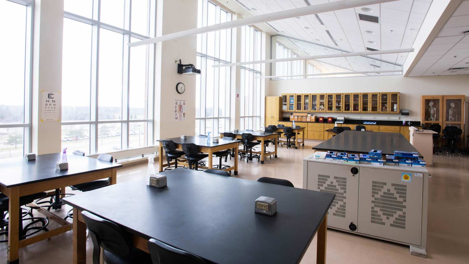 Lab with large open windows and a lot of tables