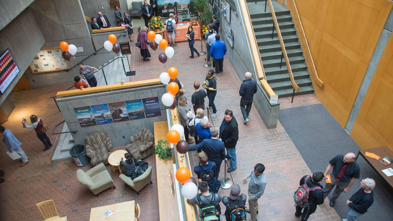 Lobby & Zutes Atrium