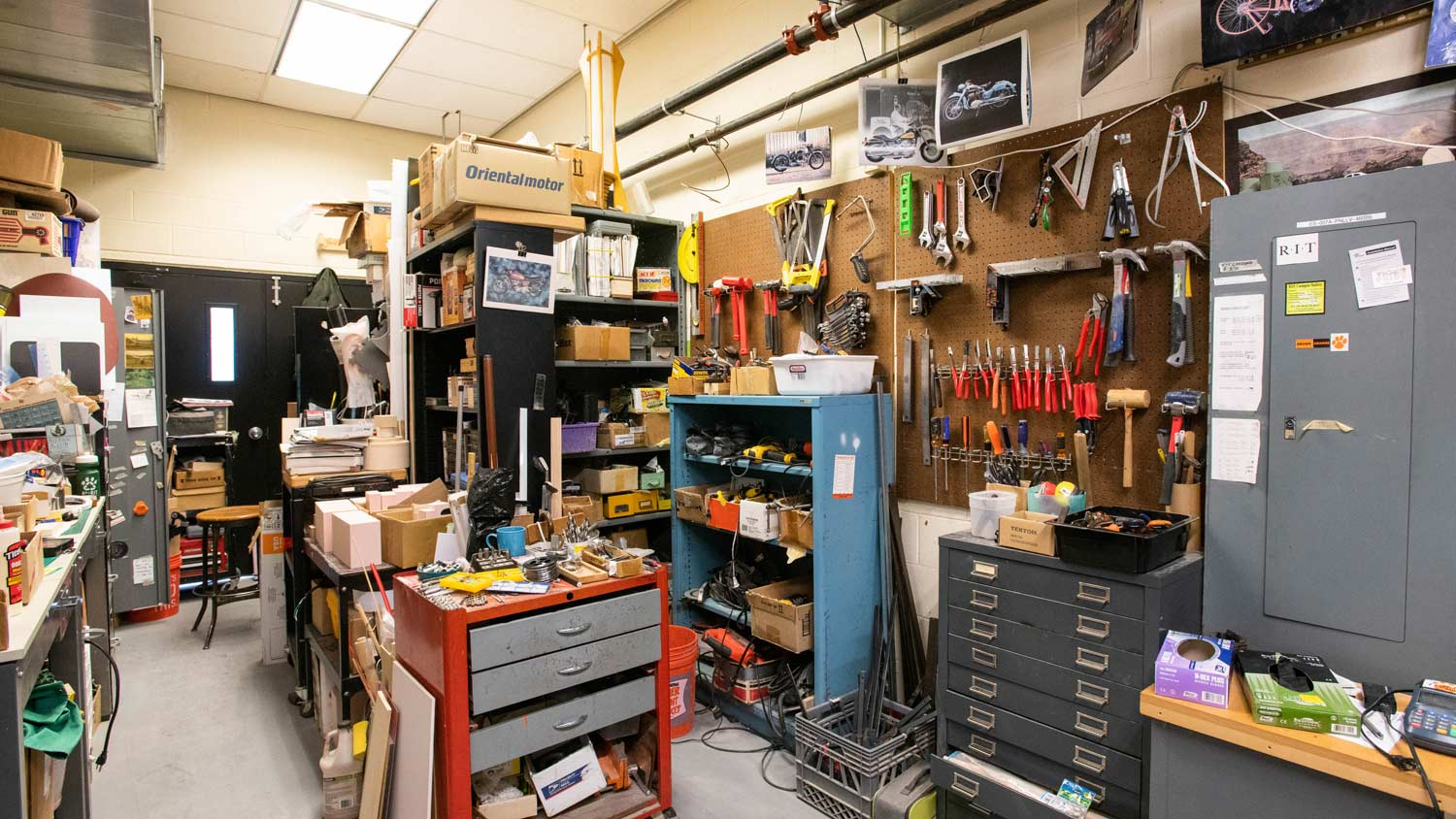 Workshop with a large amount of tools