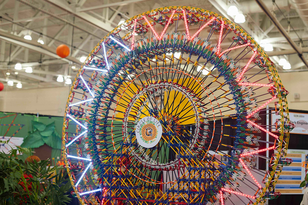 Ferris wheel made of K'Nex