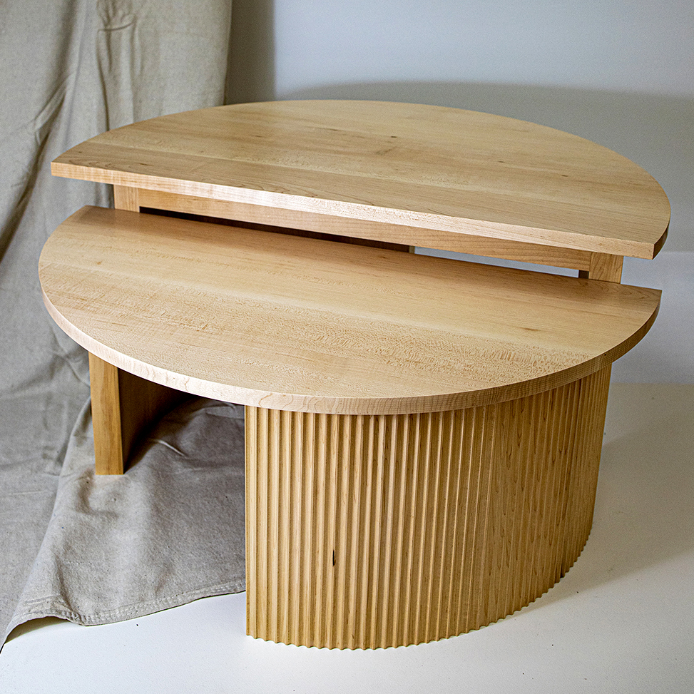 A round table with a staggered surface.