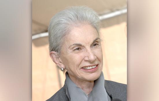 A headshot of Lella Vignelli.