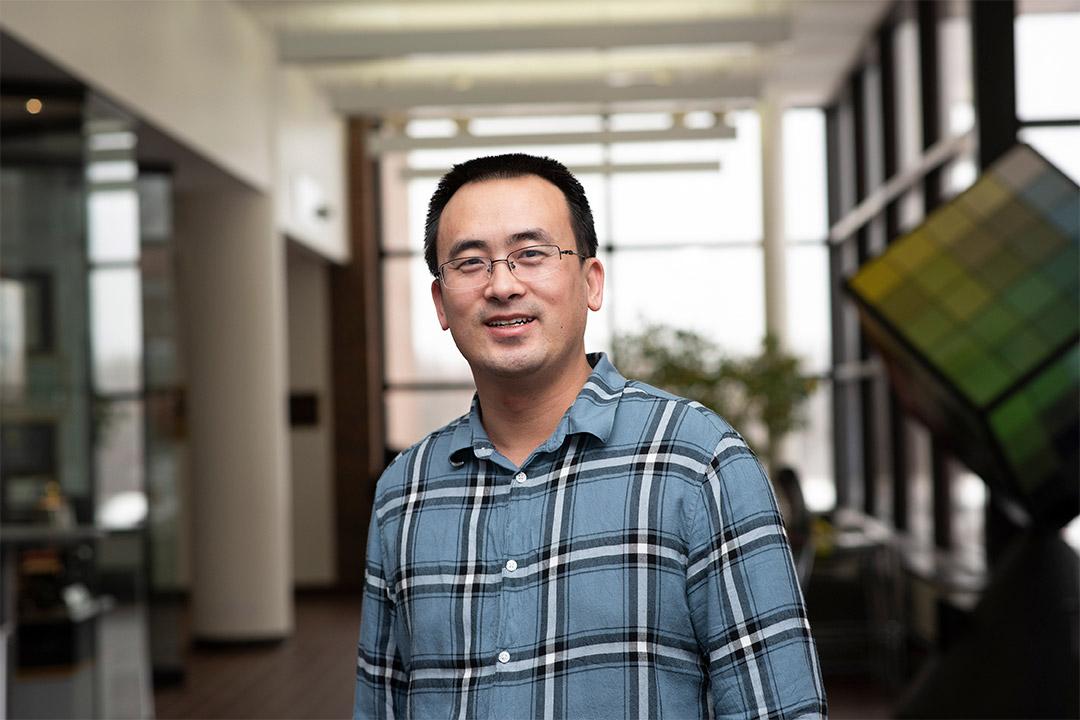environmental portrait of Guoyu Lu.