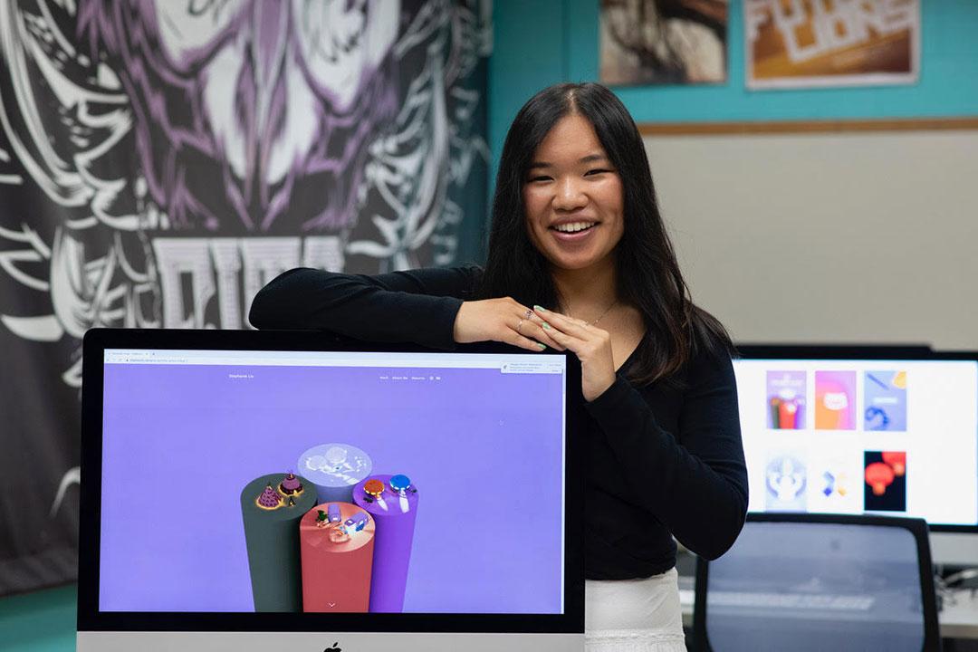 environmental portrait of student Stephanie Liu.