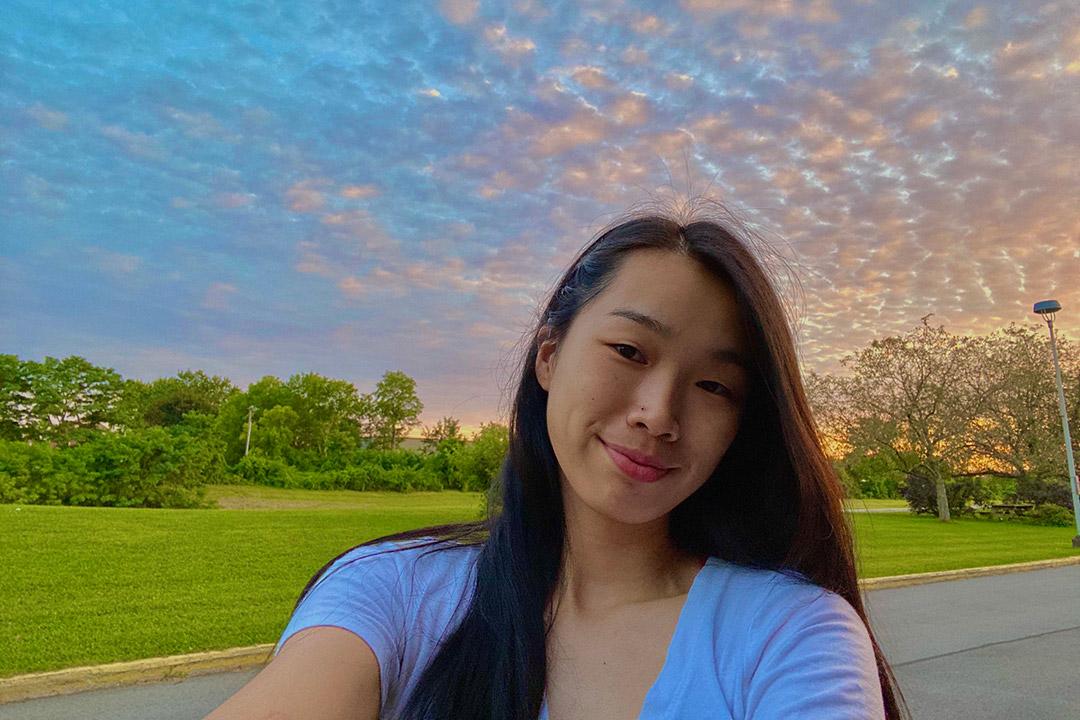 envionmental portrait of student Gigi Zheng.