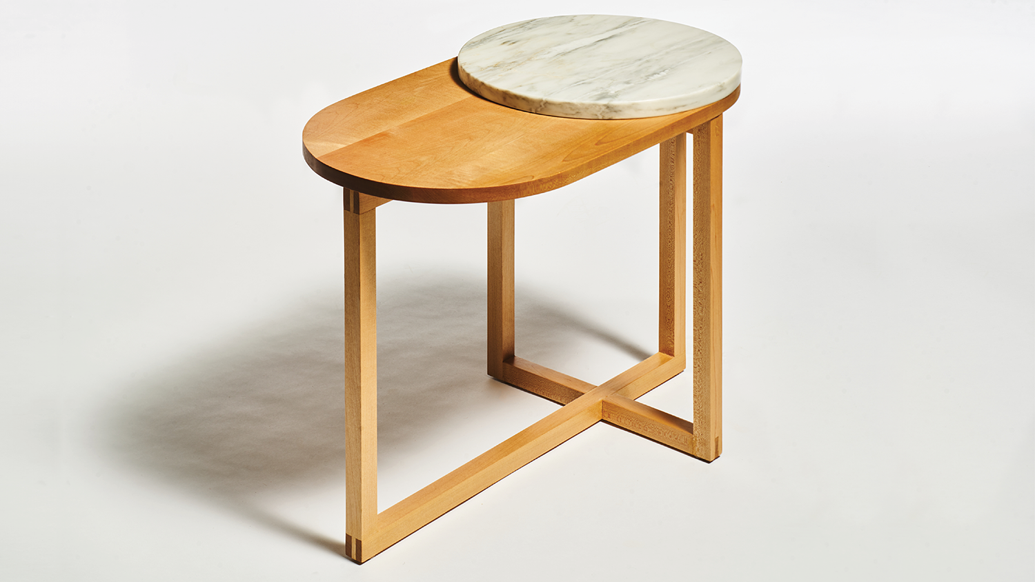 A table designed by Yichi Cheng